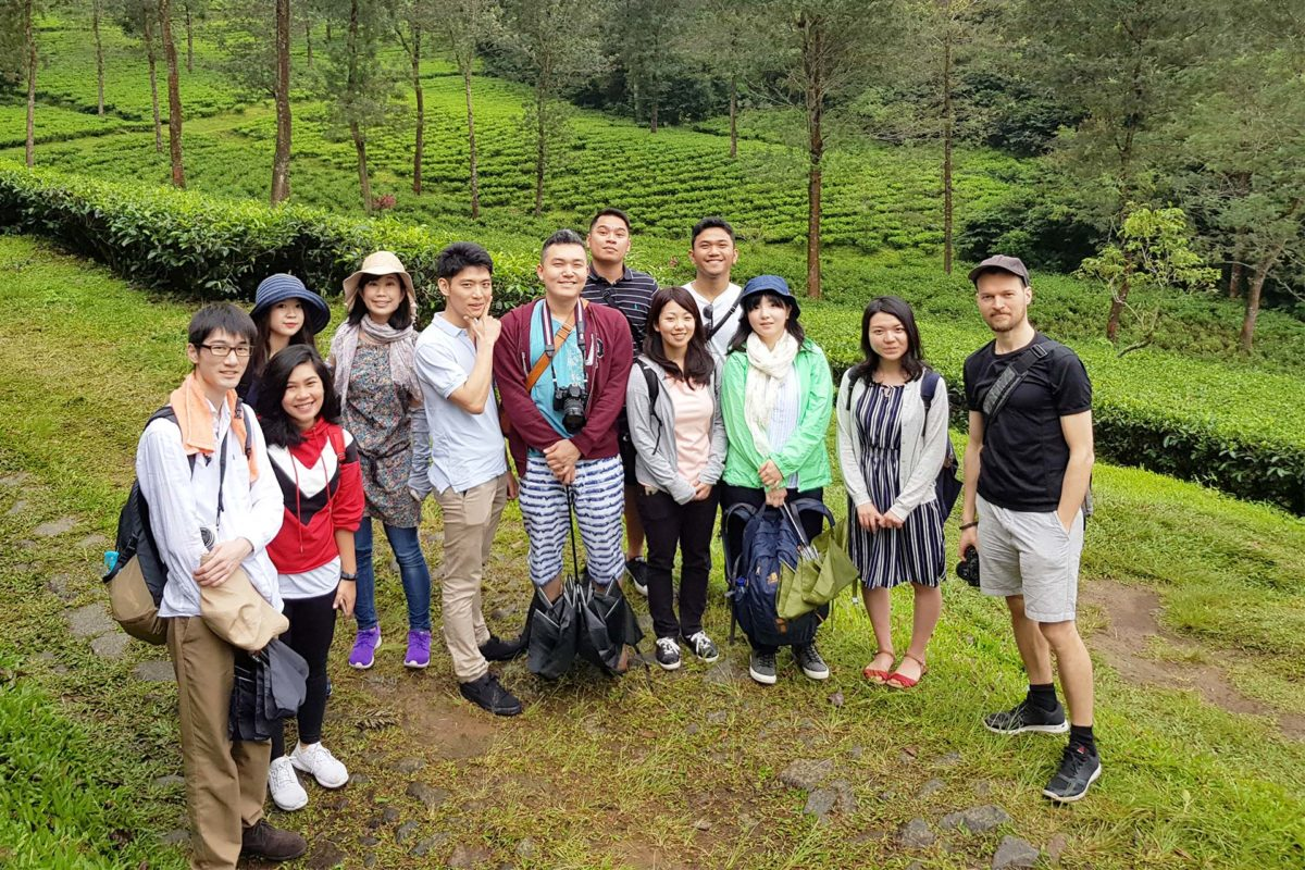 Our Overseas Young Leadership Program Participants Weekend Outing with Our Staff
